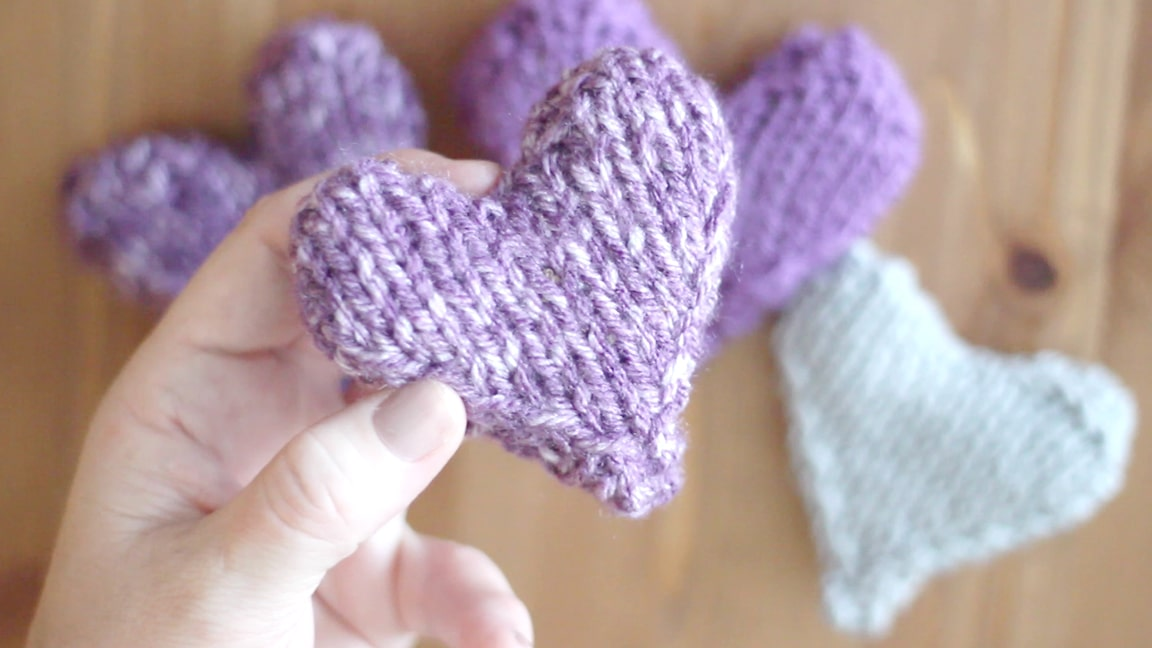 Knitting Hearts Together : Knit heart pattern puffy softies with video
