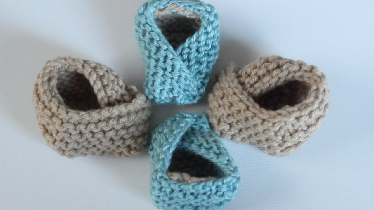 c42b71e54f16 Baby Booties Free Knitting Pattern with Video Tutorial