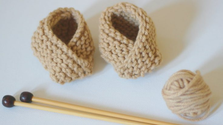 Learn how to Knit BABY BOOTIES Shoes Pattern with Video Tutorial