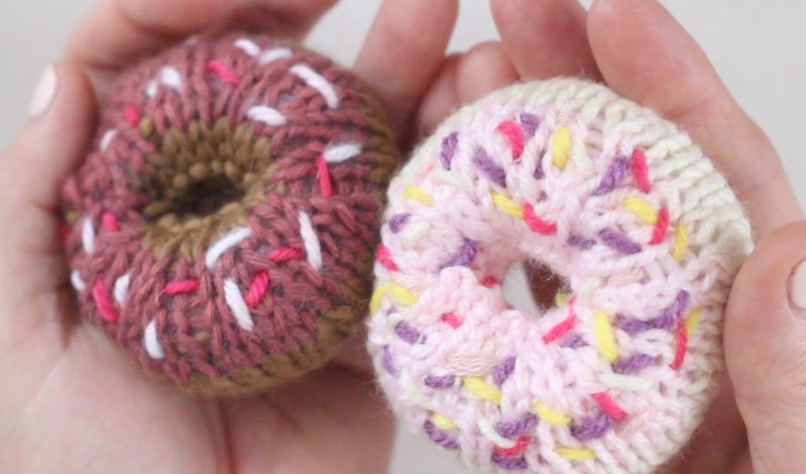 How to Knit a Donut Softie Toy