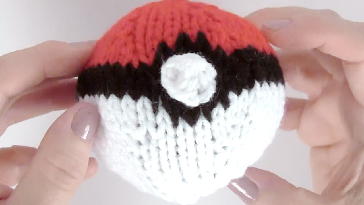 How to Knit a POKEBALL with Studio Knit