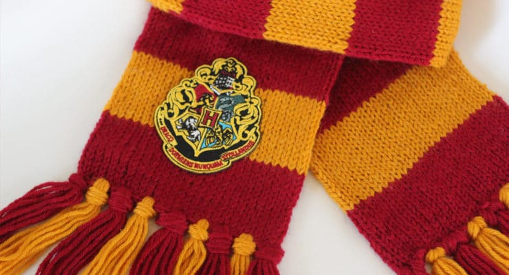 How to Knit a Harry Potter Gryffindor Scarf | Free Knitting Pattern