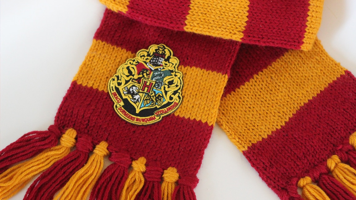 How to Knit a Harry Potter Gryffindor Scarf with Studio Knit | Free Knitting Pattern