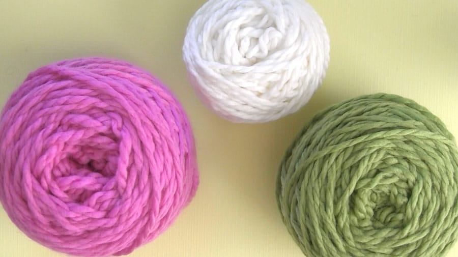 How to Craft YARN BUTTONS with instructional video tutorial by Studio Knit