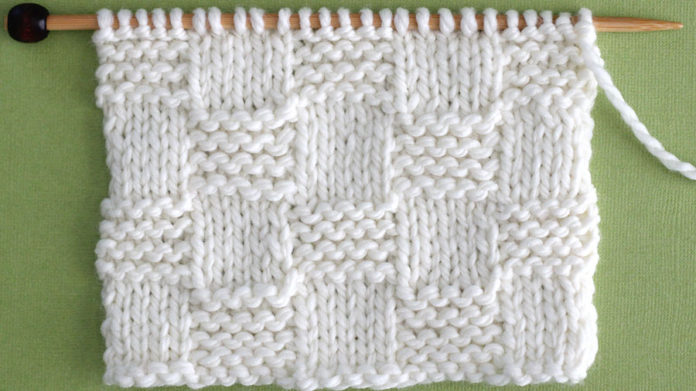 How to Knit the Garter Checkerboard Stitch with Free Written Pattern and Video Tutorial by Studio Knit. #knitting