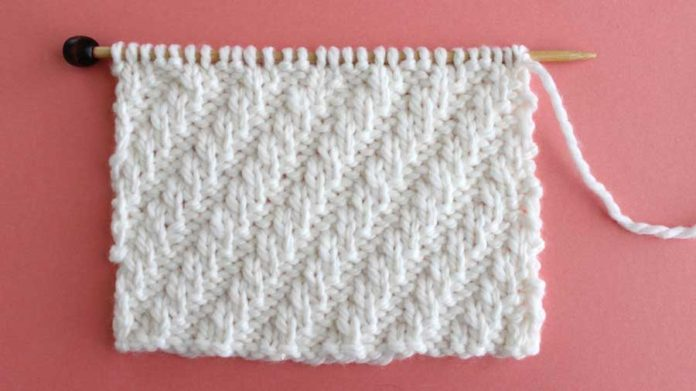 Right Side of Diagonal Rib Knit Stitch Pattern Easy for Beginning Knitters by Studio Knit