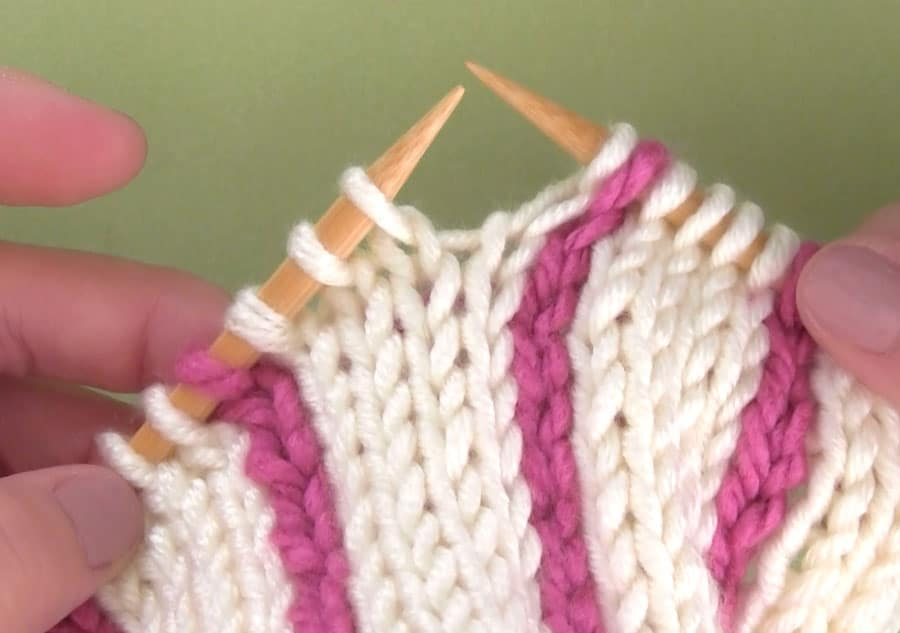 Knitting Vertical Stripes Different Colors : Easily knit vertical stripes using a crochet chain with