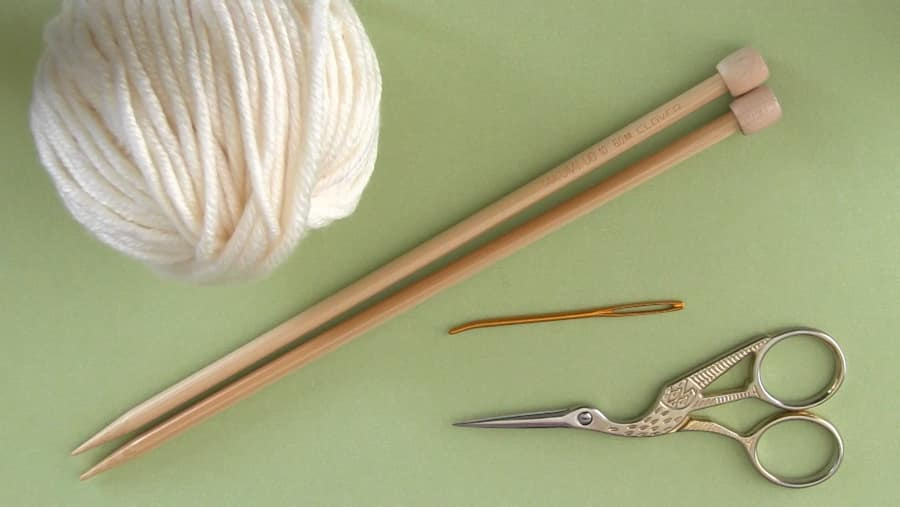 Knitting Materials for Flag Knit Stitch Pattern with Studio Knit