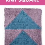 Flying Geese Knit Square, a graphic, geometrical triangle design. Get free knitting pattern and watch video tutorial by Studio Knit