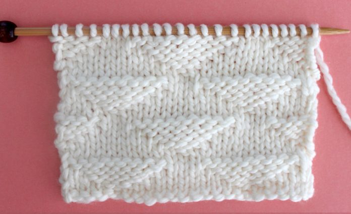 Right and Wrong Sides of the Triangle Knit Stitch Pattern by Studio Knit
