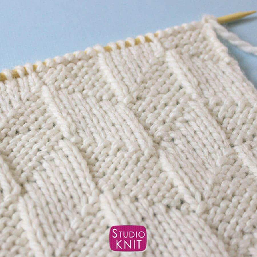 Close-Up of Parallelogram Stitch Knitting Pattern