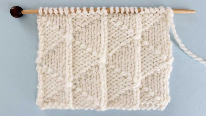 Pennant Pleating Knitting Pattern