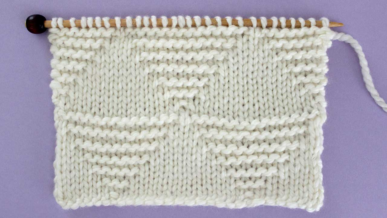 Large Stacked Triangle Stitch Knitting Pattern for Beginners