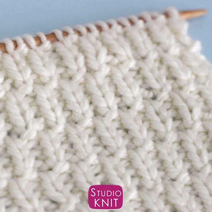 Long Raindrops Stitch Pattern knitted swatch