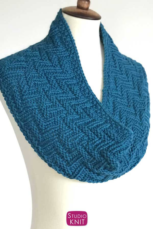 Zigzag Scarf Knitting Pattern