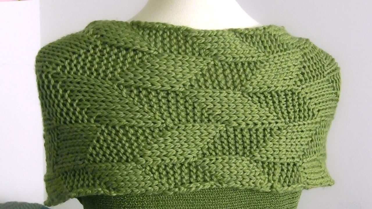 Parallelogram Stitch Knit Scarf