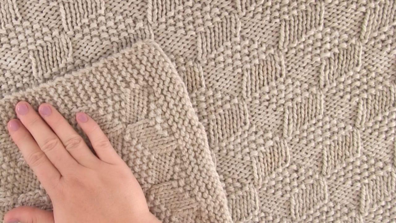 Knitted Blanket in Tumbling Blocks Pattern