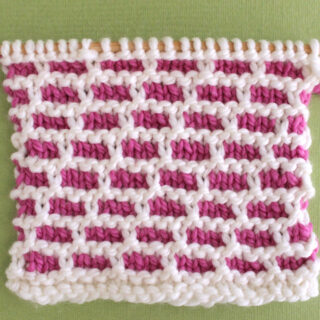 Brick Stitch Knitting Pattern in Pink and White Yarn Colors.